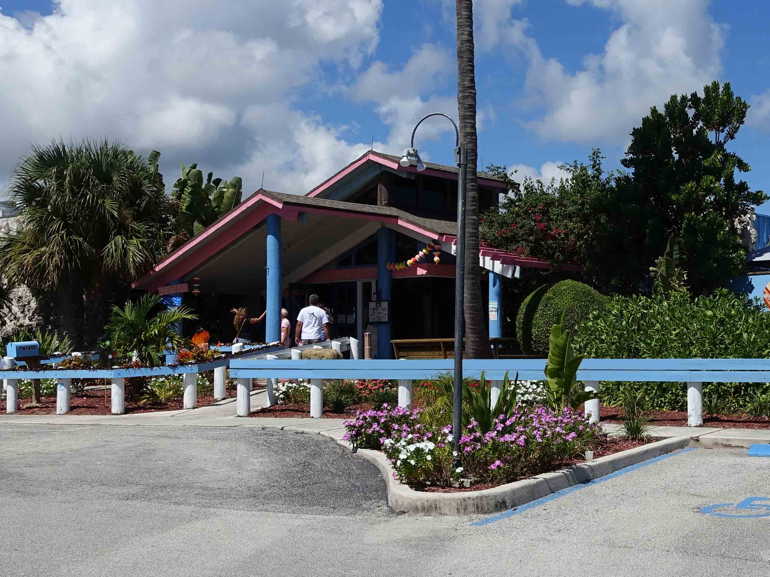 Manatee Island Bar and Grill Entrance