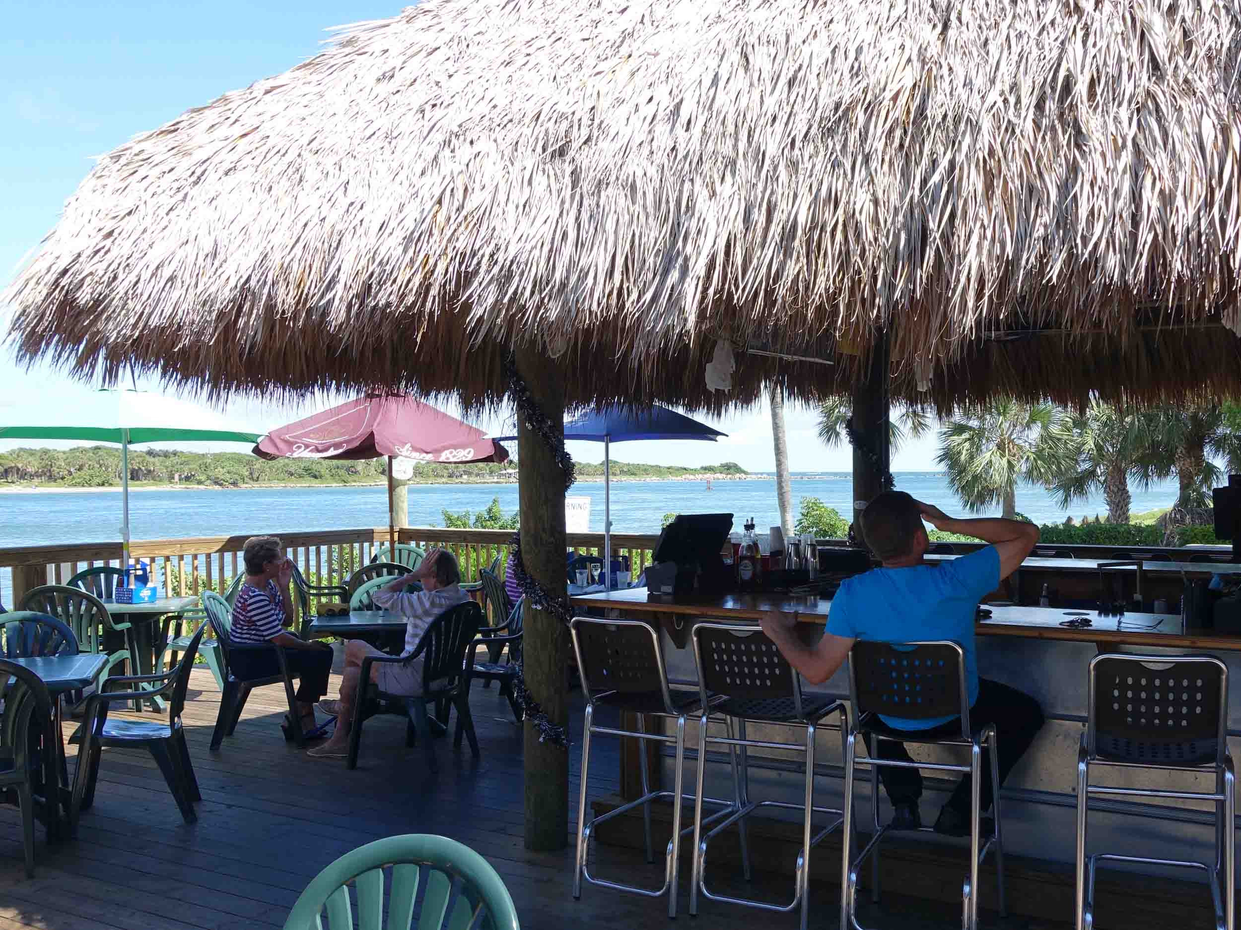 Manatee Island Bar and Grill Dining and Bar Area