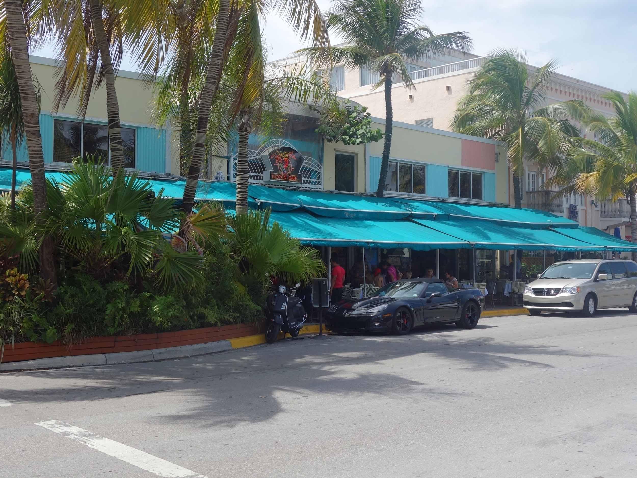 Mango's Tropical Cafe Exterior
