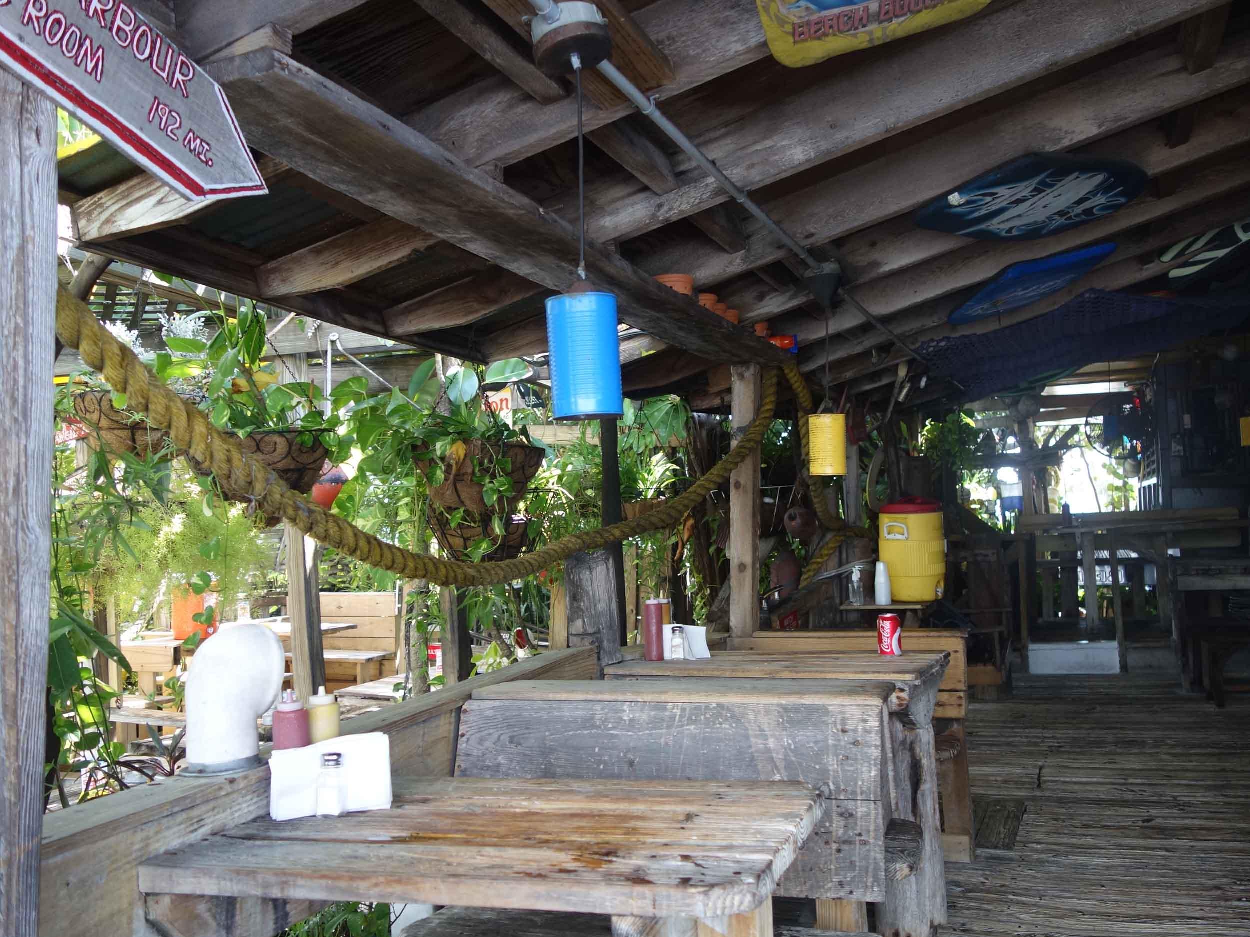 Le Tub Saloon Dining Area