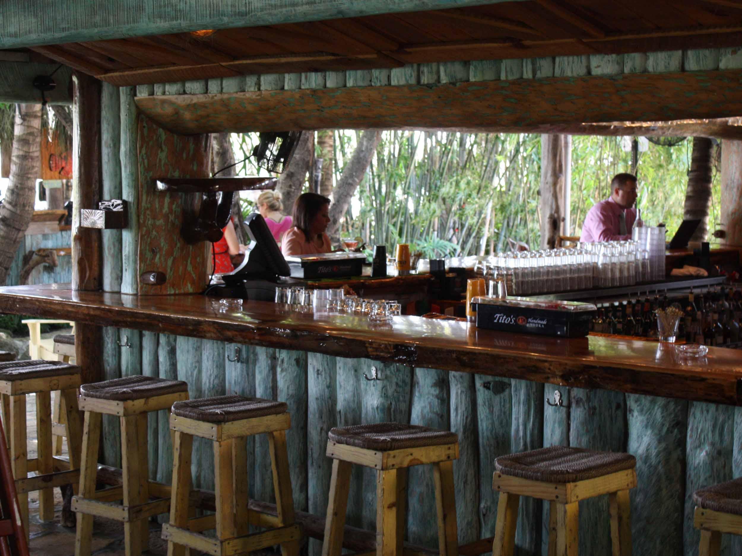 Guanabanas Bar