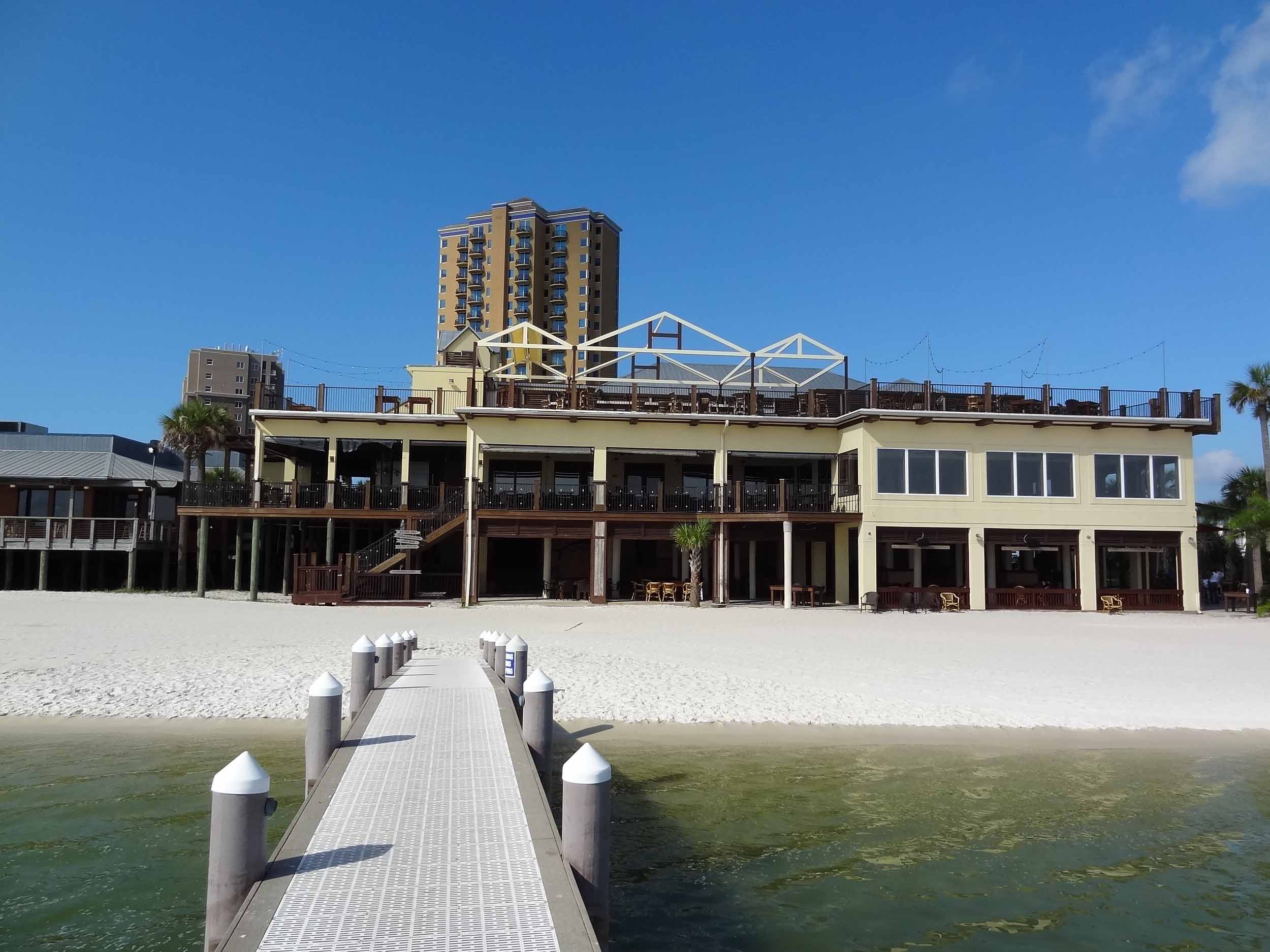 Hemingway's Island Grill Pier View
