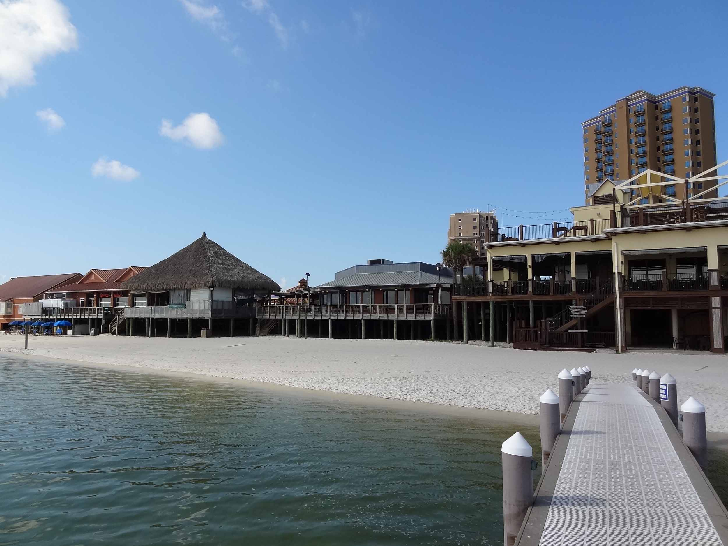 Hemingway's Island Grill Exterior