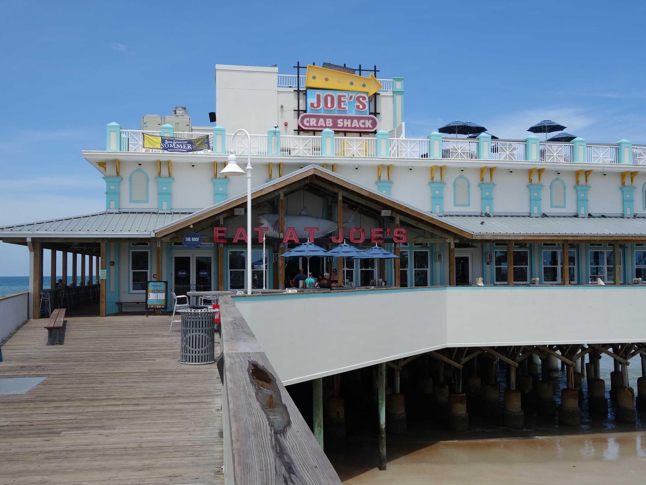 Joe's Crab Shack Entrance