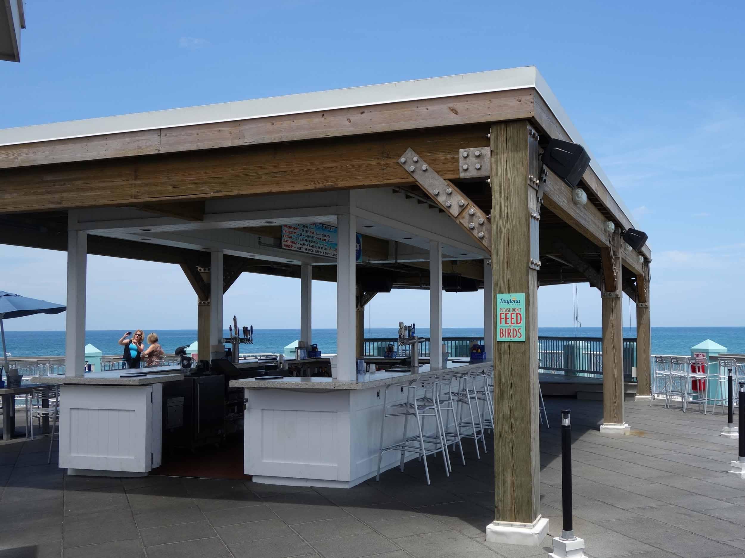 The Roof at Joe's Crab Shack Patio Bar
