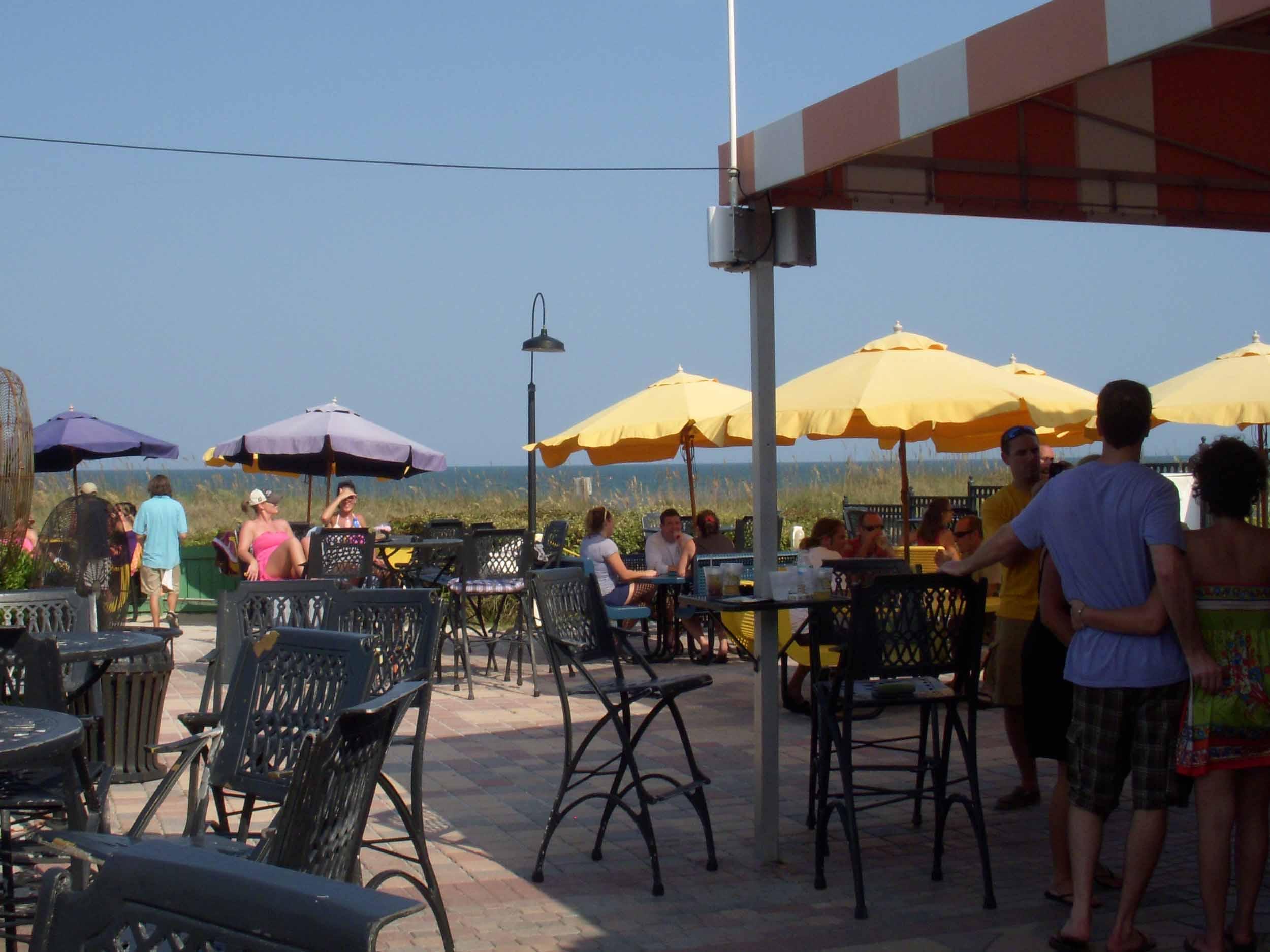 Lemon Bar Outside View