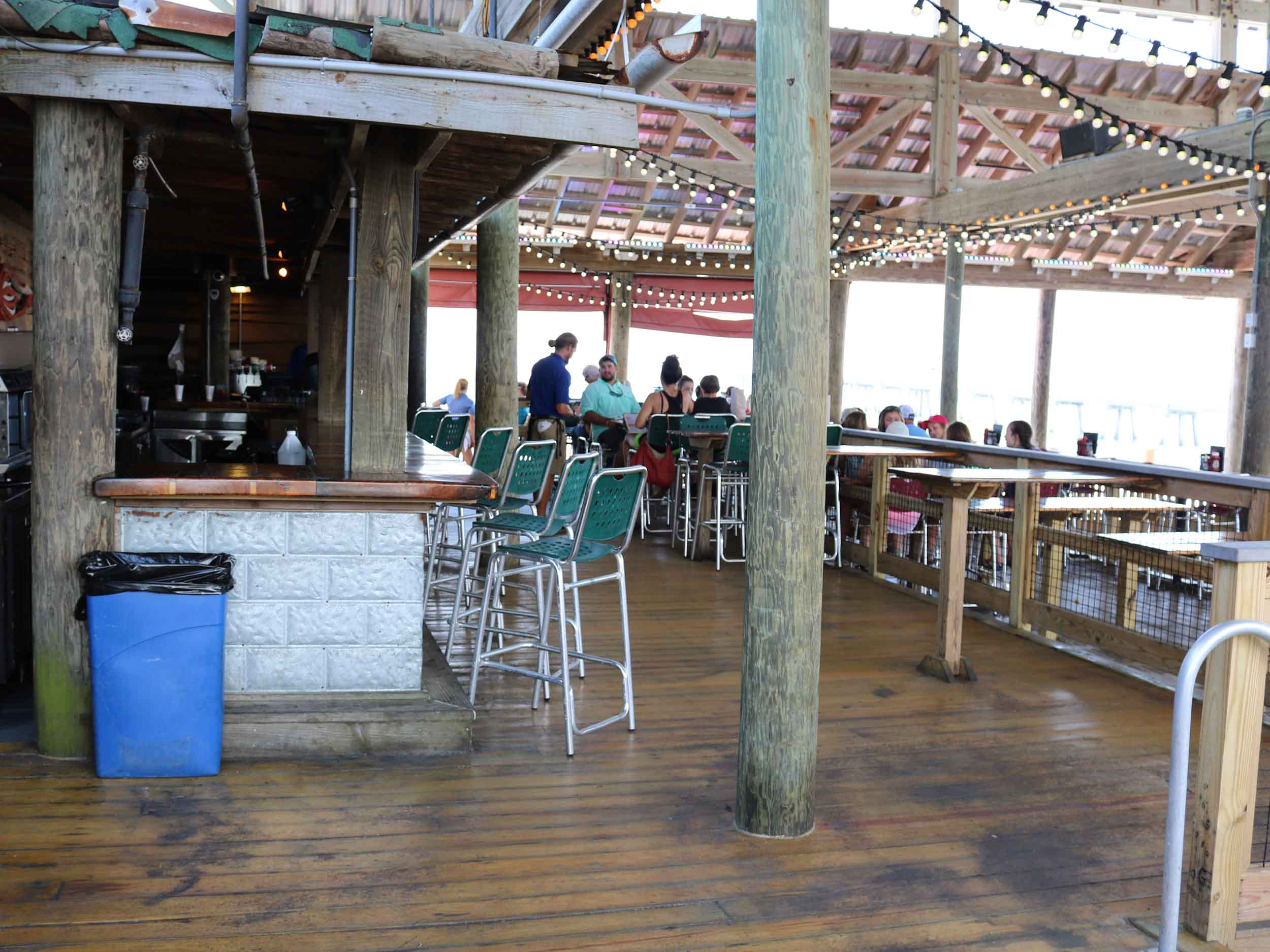 Floyd's Shrimp House Seating Area
