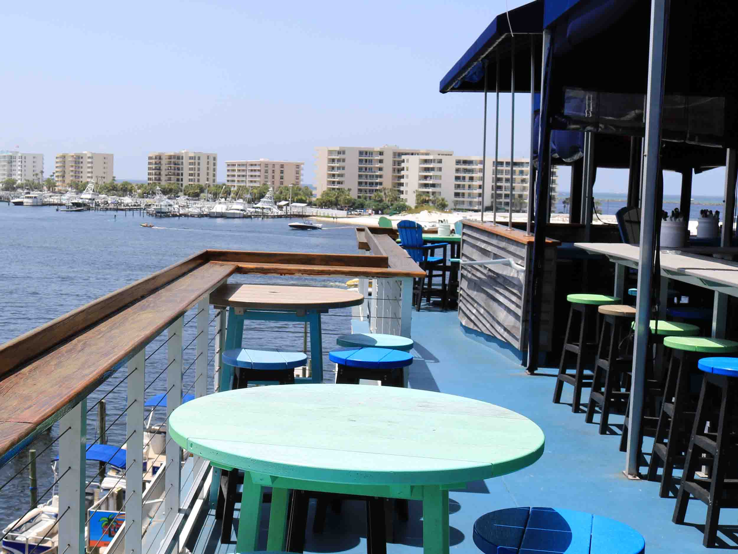 Tailfins, Ale House, and Oyster Bar Patio Area