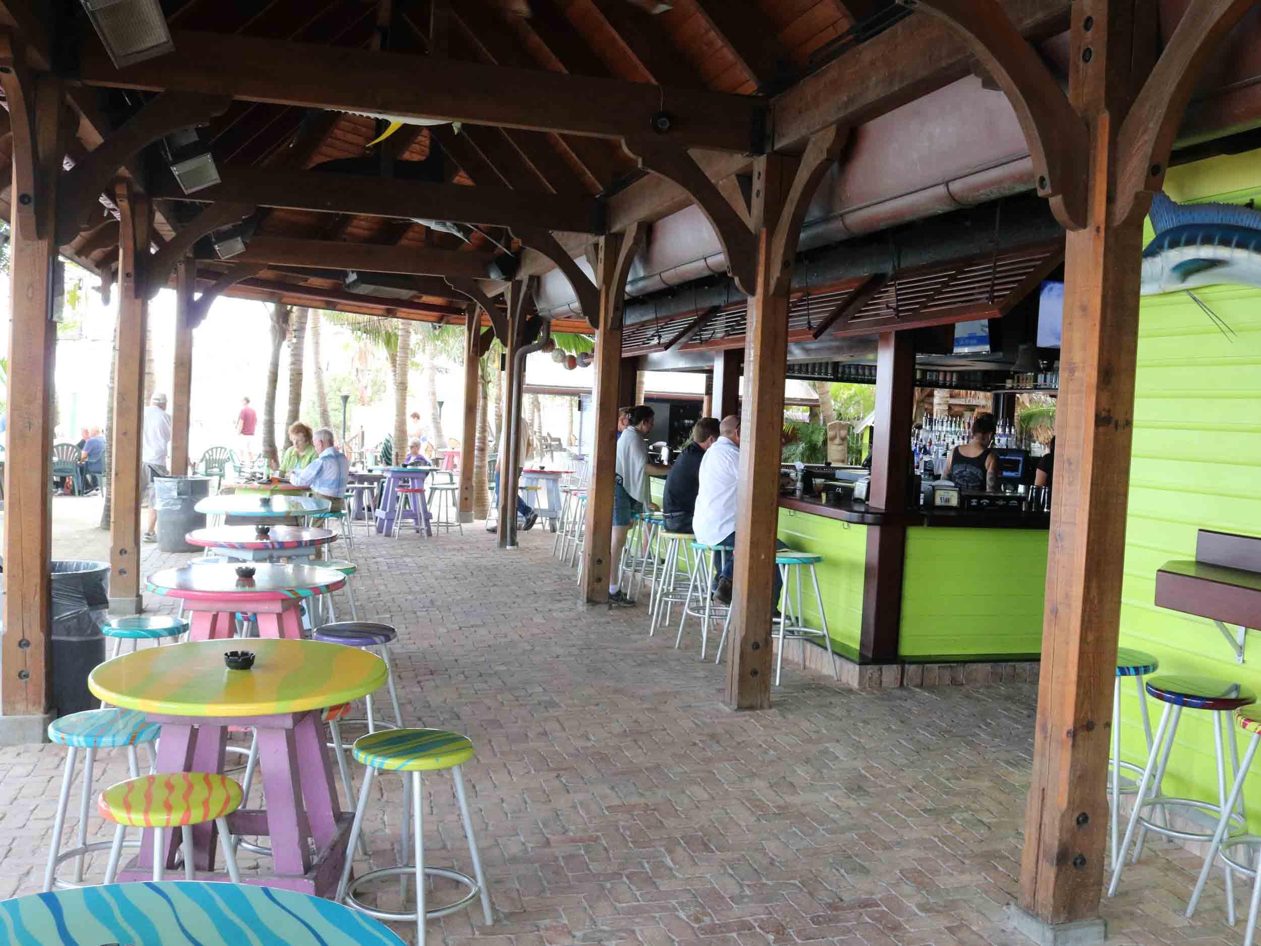 Square Grouper Main Bar