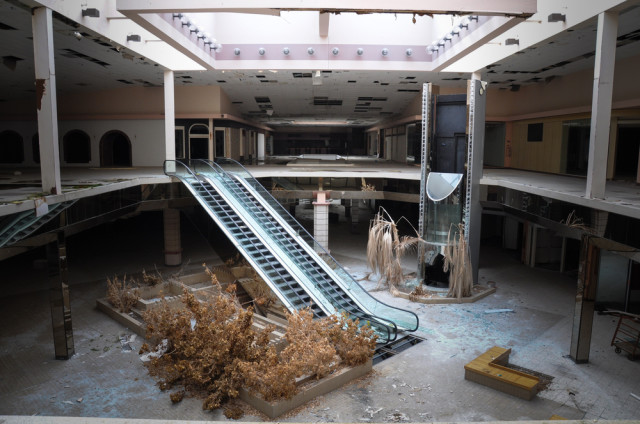 laughingsquid :    'Black Friday', A New Book Featuring Photos Taken in Abandoned Shopping Malls Around the United States     DO WANT