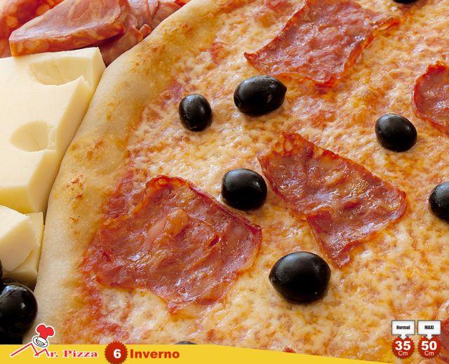 #6 - Inverno  tomate . mozzarella . chouriço . azeitonas . emmenthal . oregãos