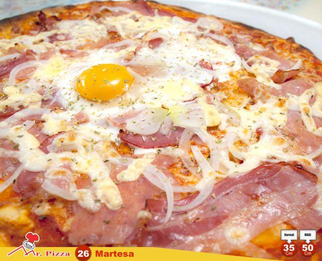 #26 - V.P.C (Martesa)  tomate . mozzarella . fiambre . bacon . cebola . emmenthal . ovo . oregãos