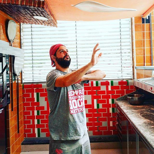 Partilha o Amor que vai dentro de ti!  Sempre Tradizionale... #pizza #pizzas #mrpizzapt #mrpizza #italy #portugal