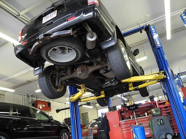 auto-repair-center-loans.jpg
