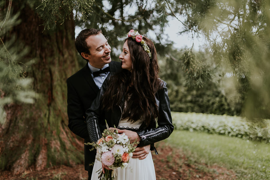 Brautpaarshooting im Schlosspark auf Schloss Hohenstadt mit Anastasia Vyatkina Hochzeitsfotografin