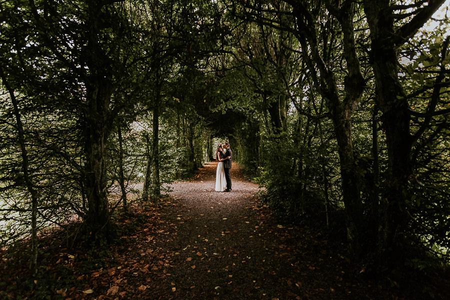 Brautpaar im Schlosspark des Schloss Hohenstadt
