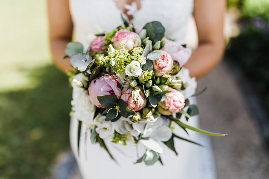 Brautstrauß mit Pfingstrosen in Ellwangen