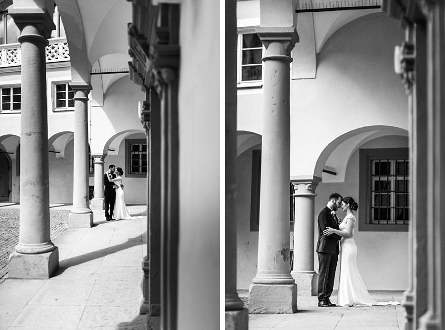 Übderdachte Stelle auf dem Schloss Ellwangen mit Hochzeitsfotografin Anastasia Walther