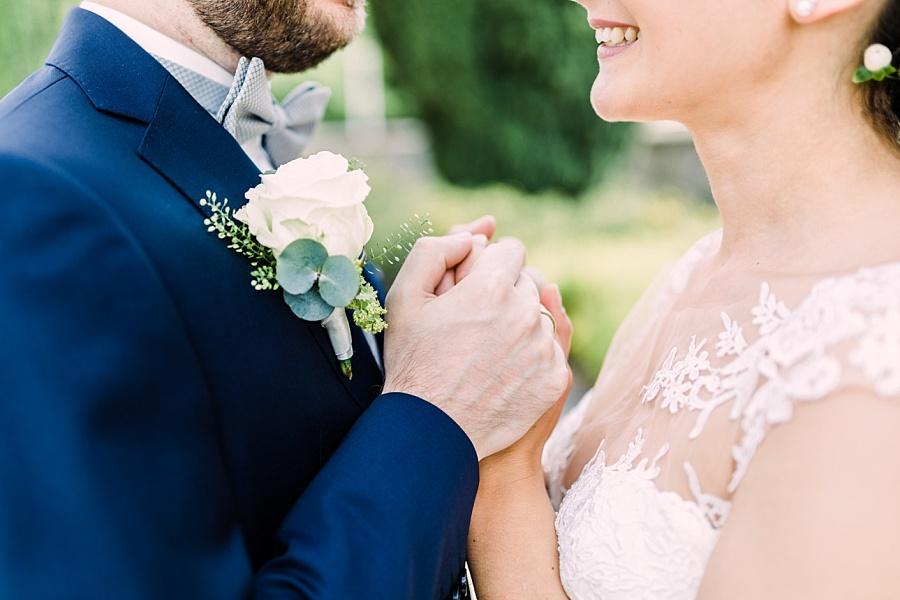 Hand in Hand ein Leben lang - Hände vom Brautpaar
