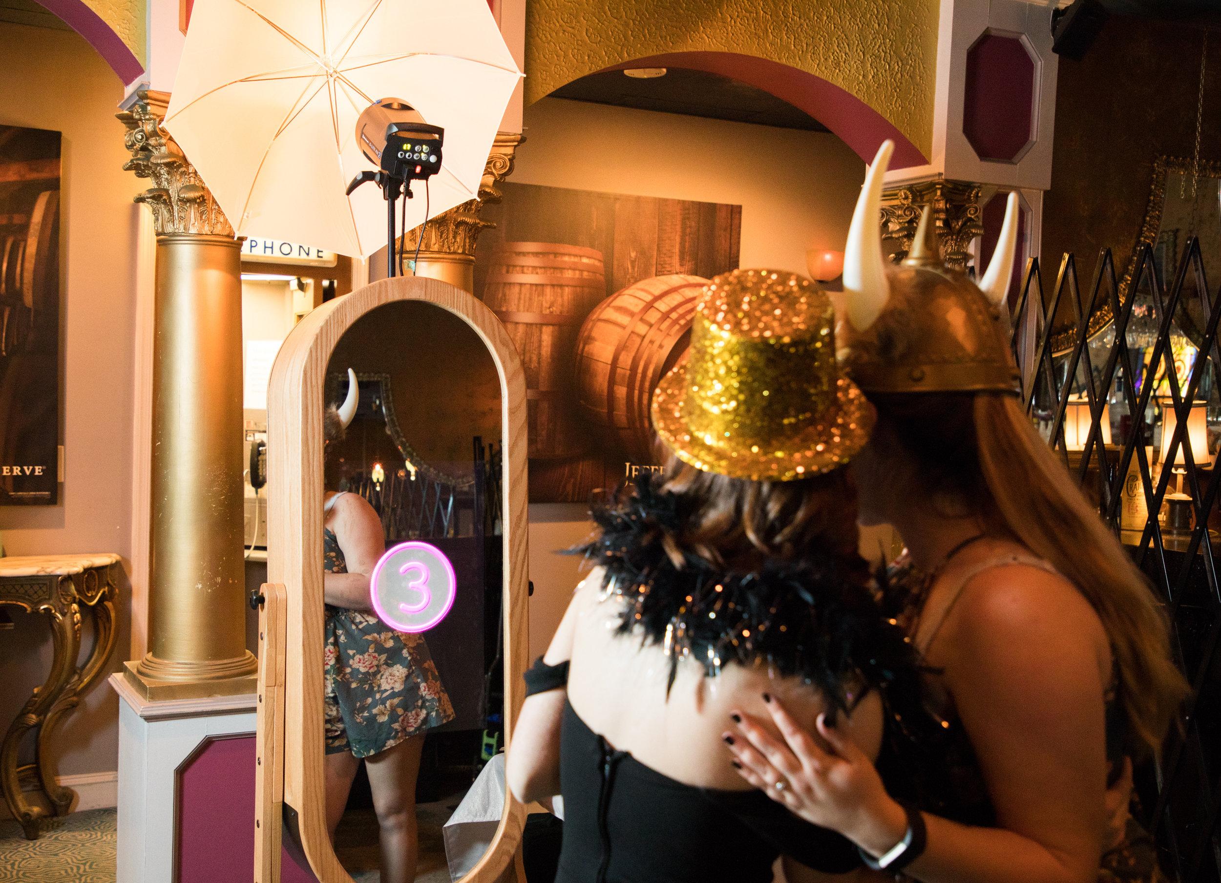 Jenna_Bill_retro_Mirror_booth_marketing-3.jpg