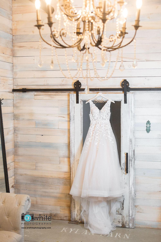 Wedding dress photo at Kylan Barn.