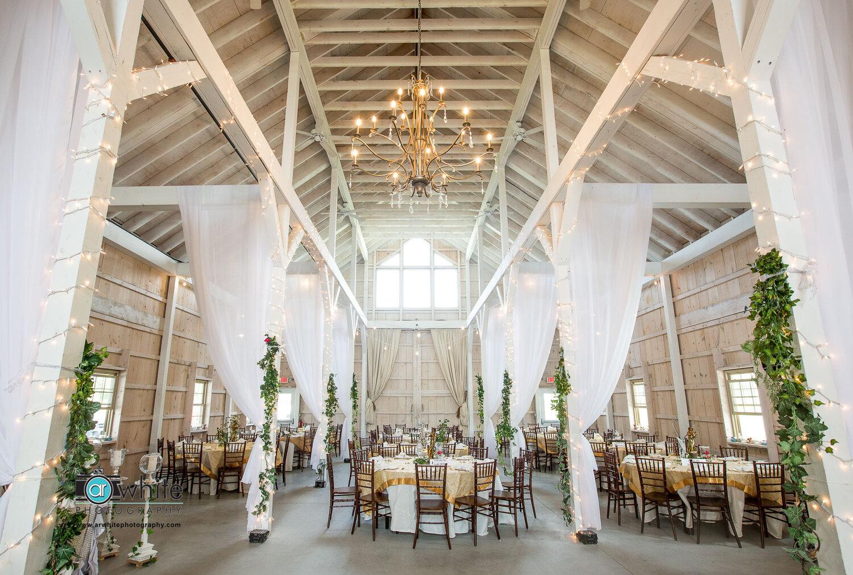 Kylan Barn in Delmar is a new beautiful and elegant barn wedding venue on the eastern shore.