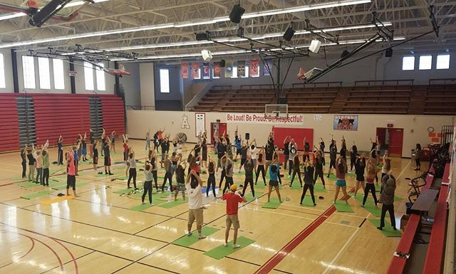 YoMIND at AHS- year 5, Day 1.  @yomindmatters @libbyjaneedson @ashland_grizzlies @ashlandhighschool #kindnessisasuperpower #bekindtoyomind #yomindmatters #yomind #kindnessisasuperpower #yogaisasuperfood #practice#yogaeverydamnday #changetheworld #mindfulness #nueroscience