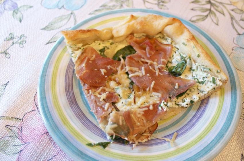 Lattes-Life-Luggage-Prosciutto-Ricotta-Pizza-7.0.jpg