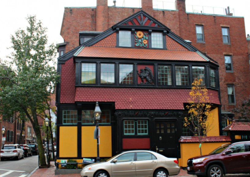 Lattes-Life-Luggage-Beacon-Hill-Neighborhood-Guide-Boston-8.0.jpg