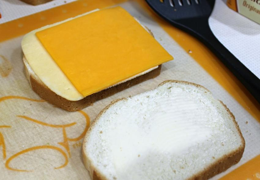 Grilled Three-Cheese 3.0.jpg