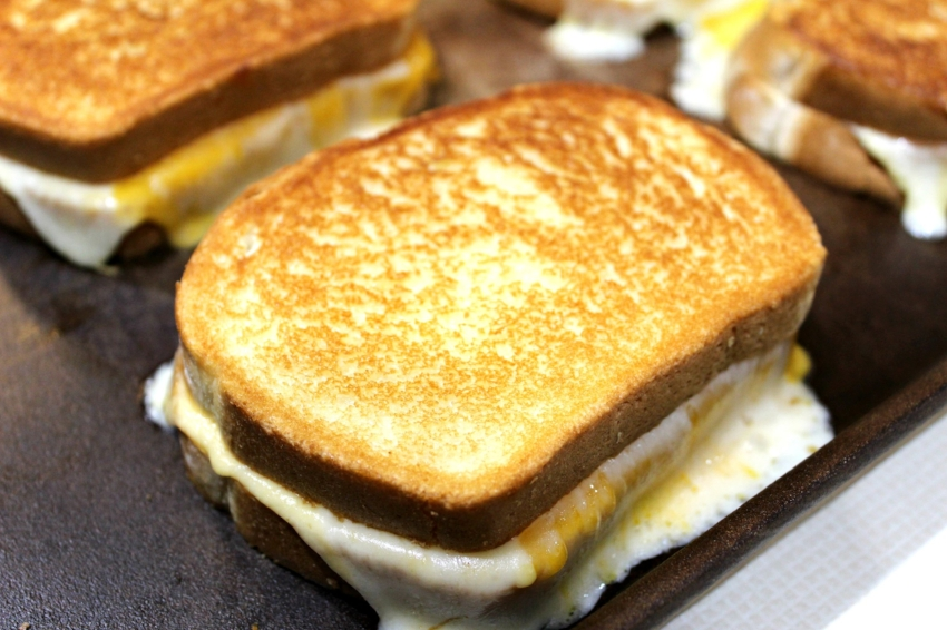 Grilled Three-Cheese 6.0.jpg