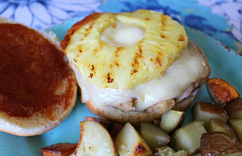 BBQ Chicken Burgers 4.0.jpg