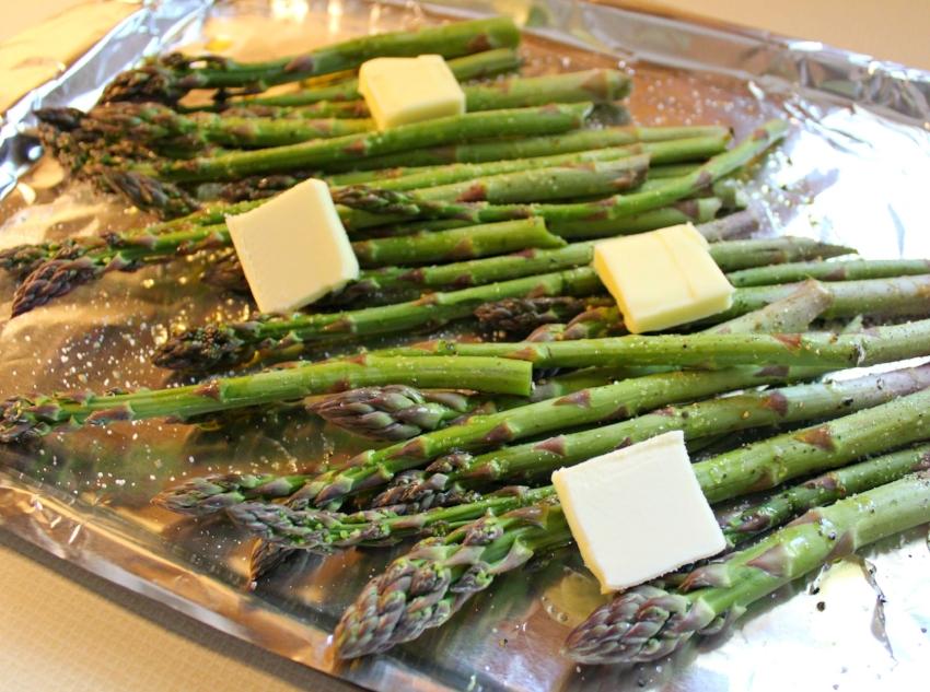 Parmesan Roasted Asparagus 2.0.jpg