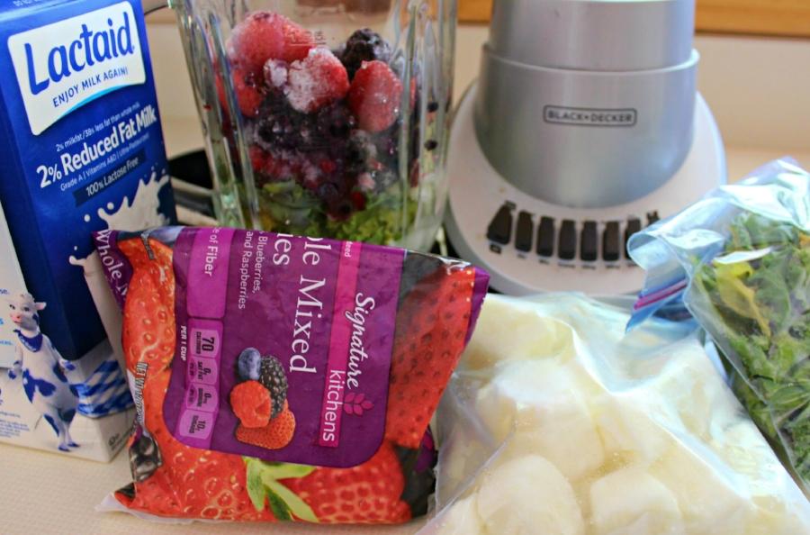 Triple Berry Kale Smoothie 4.0.jpg