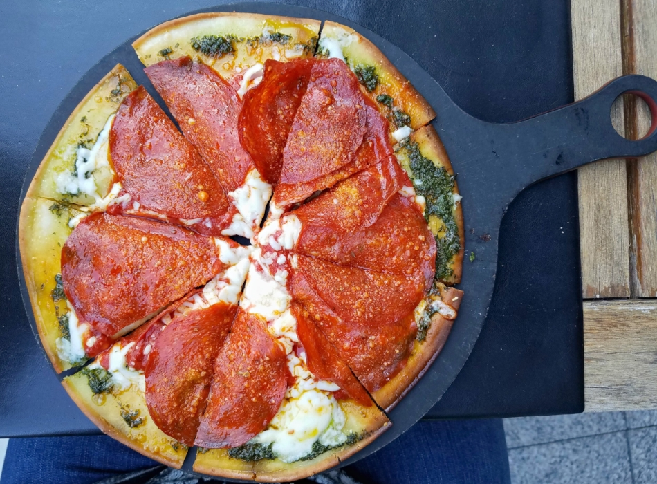 The Gluten-Free Pepperoni Pizza at Pinstripes