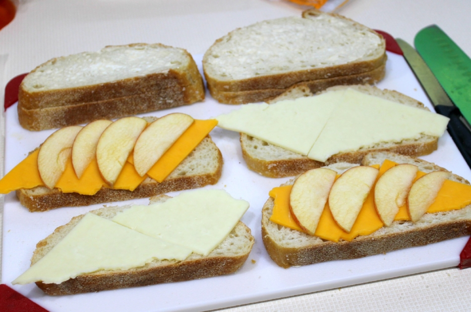 Turkey Apple Cheddar Melts 3.0.jpg