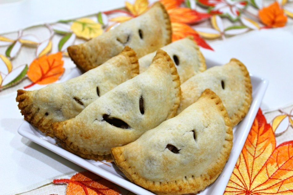Apple Hand Pies 7.0.jpg
