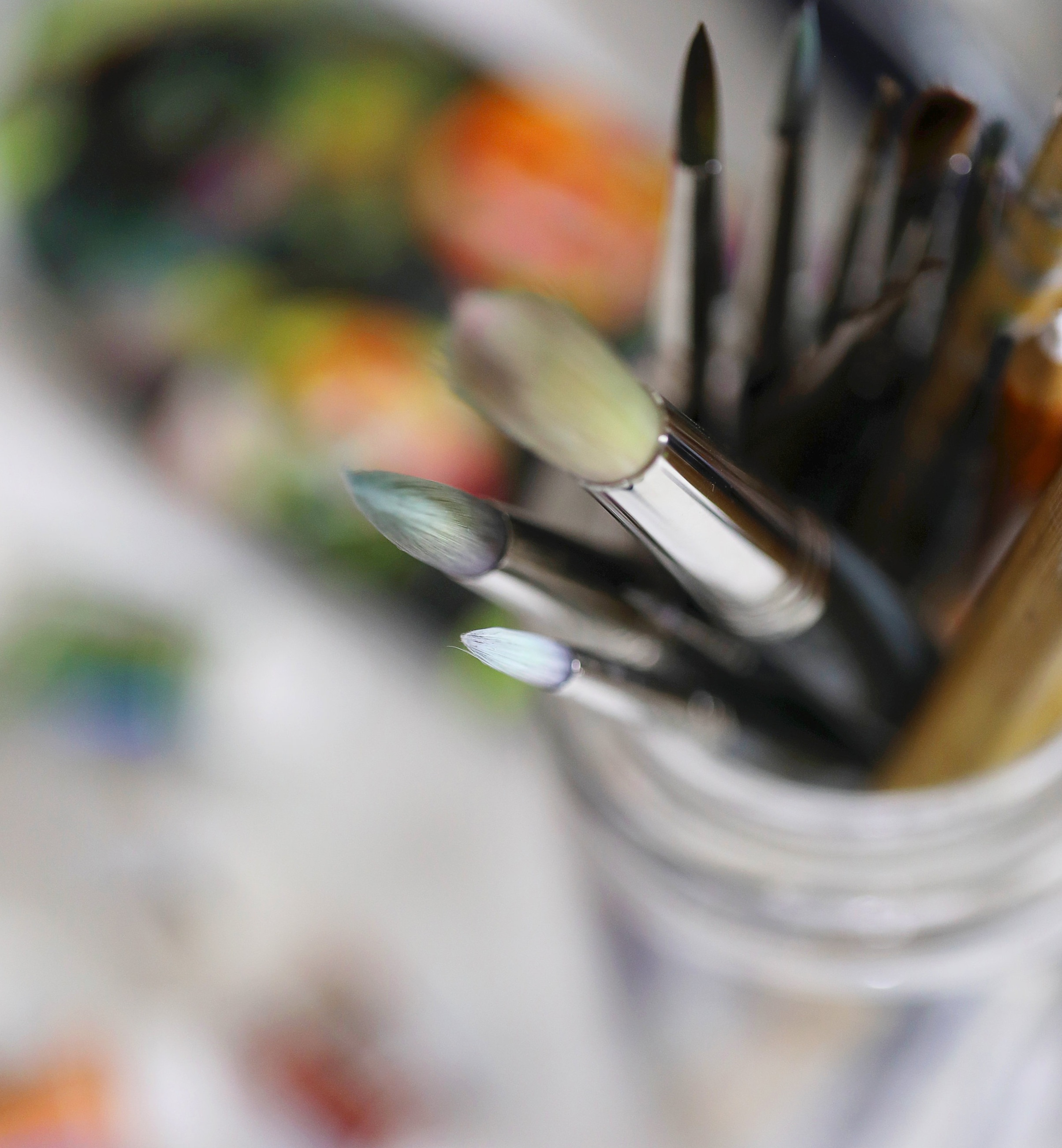 Look for a tapered brush tip so you can achieve thin strokes as well as thick strokes in your lettering.
