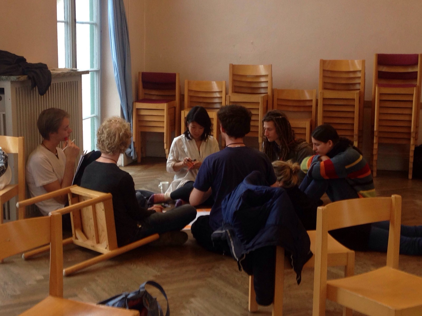 One of the self-organised, bossless groups, sharing dreams and building a collective project.