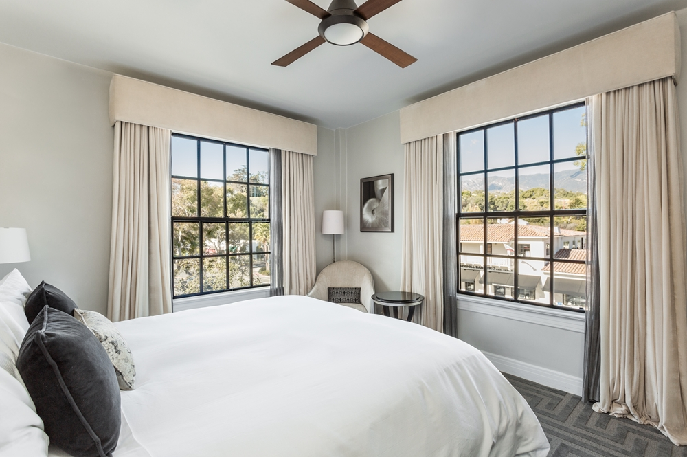 montecito_inn_room_block_Mountain_View_Bedroom_CTA.jpg