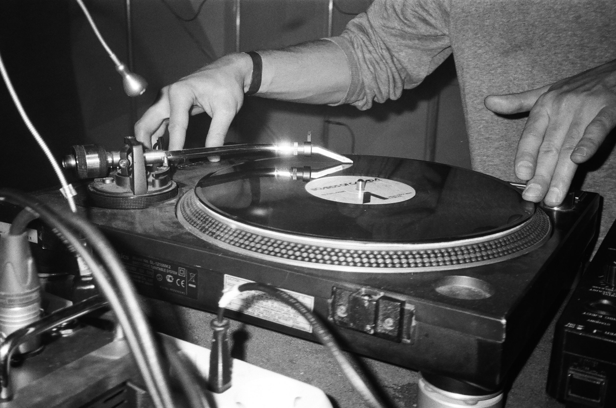 audio-black-and-white-close-up-1238941.jpg