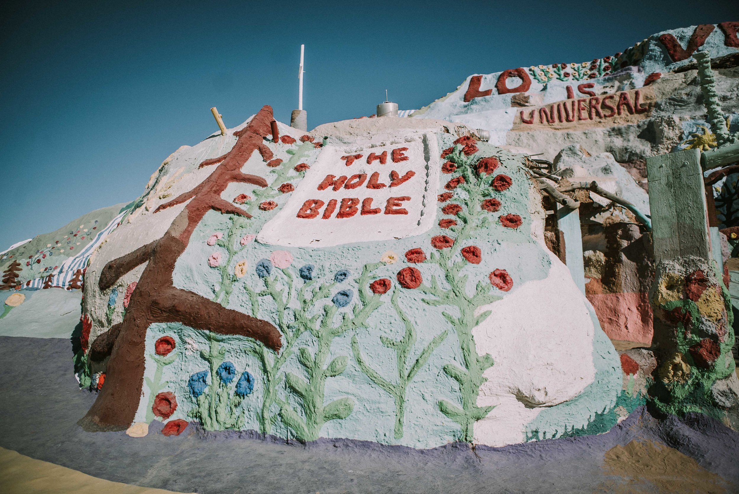 JPC_Trips_2017_SalvationMountain-15.jpg