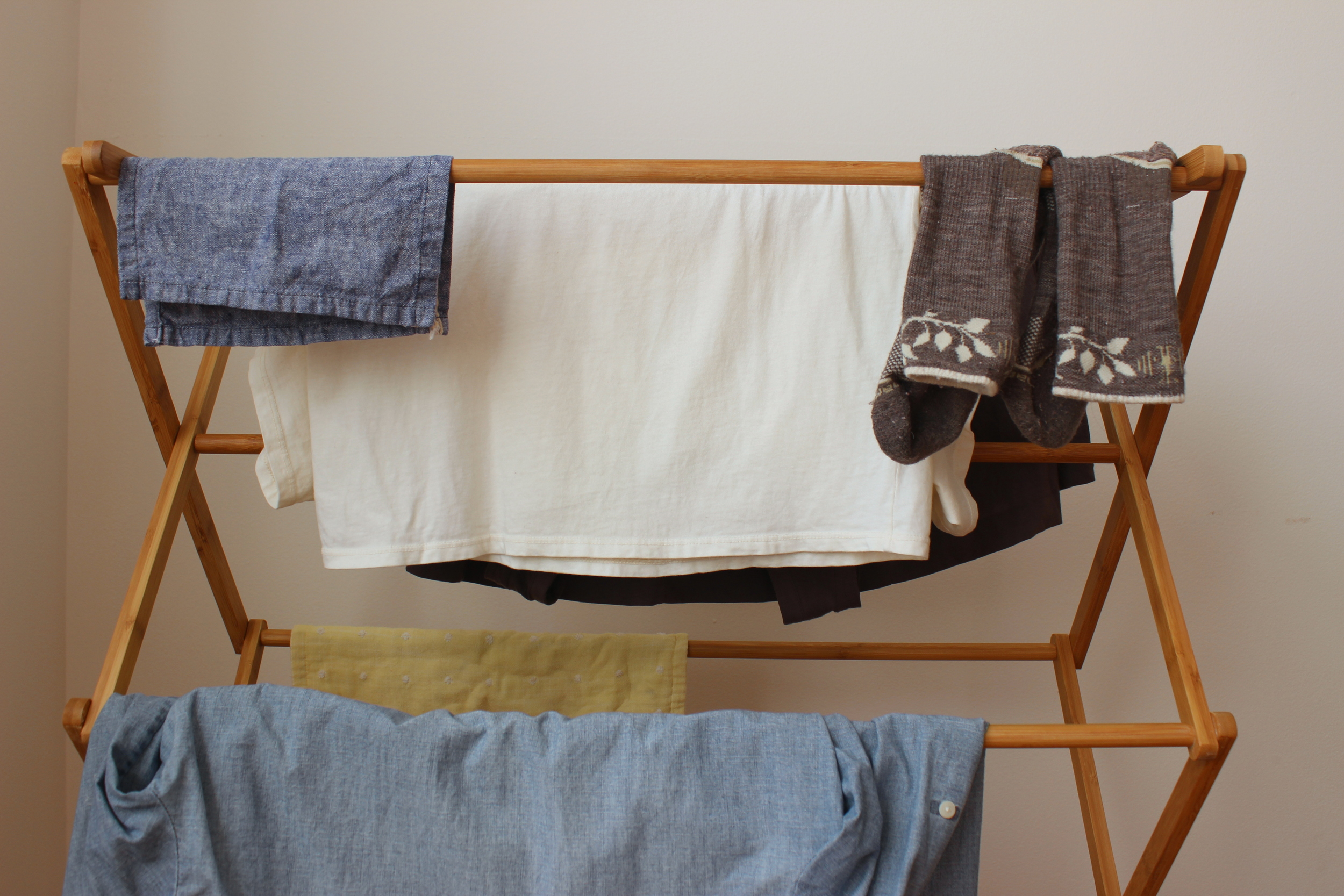 Air-dry clothes for sustainable, zero waste laundry   Litterless