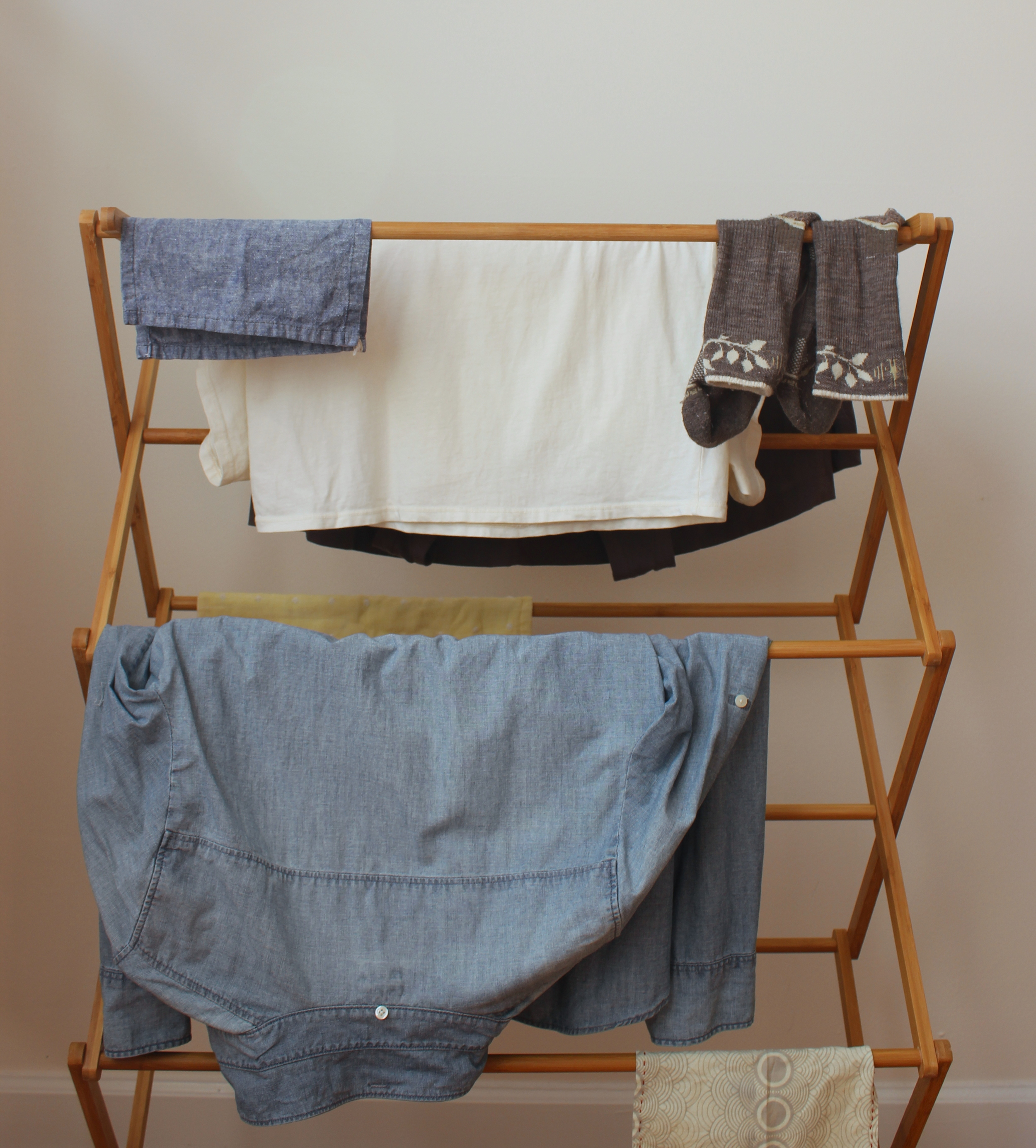 How to air-dry clothes for sustainable, zero waste laundry   Litterless