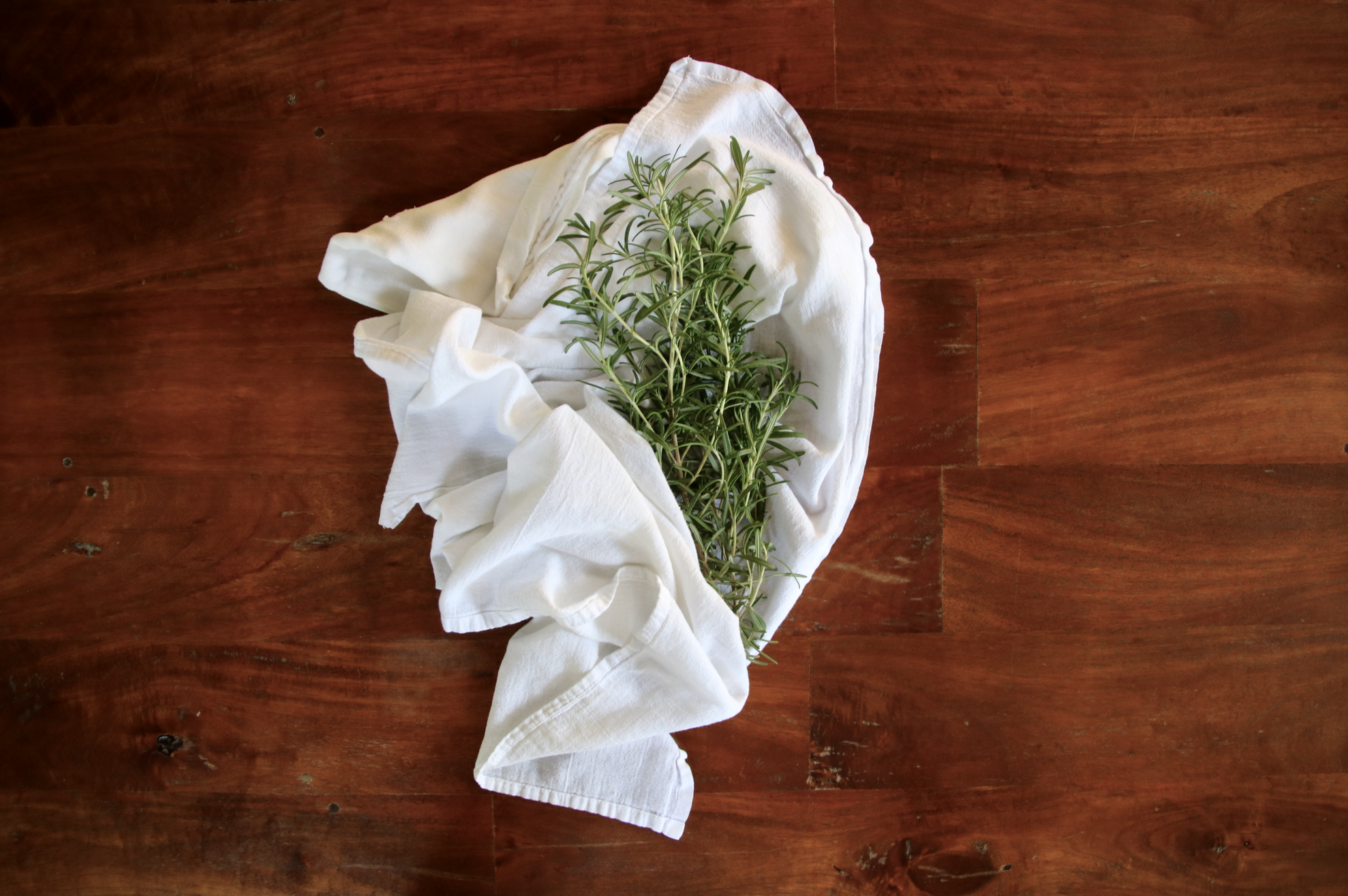 DIY dried summer herbs | Litterless