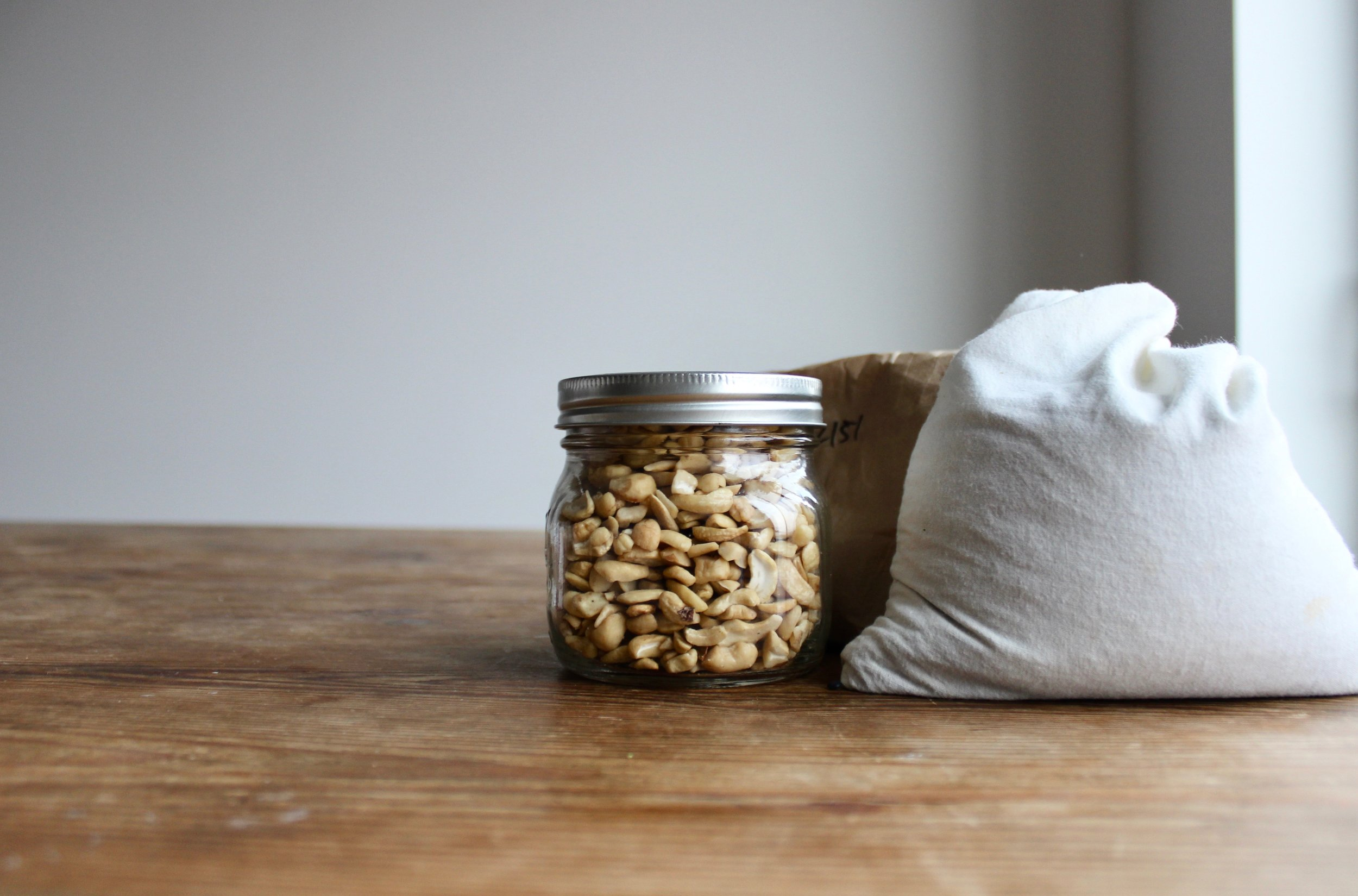 How to go zero waste without buying anything new: Shopping the bulk aisle using containers you already own | Litterless
