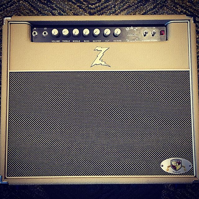 Only 18 watts, but loud as hell! #wrightgear #drz #junior #18watt #2x10 #amps #tone #guitaramp