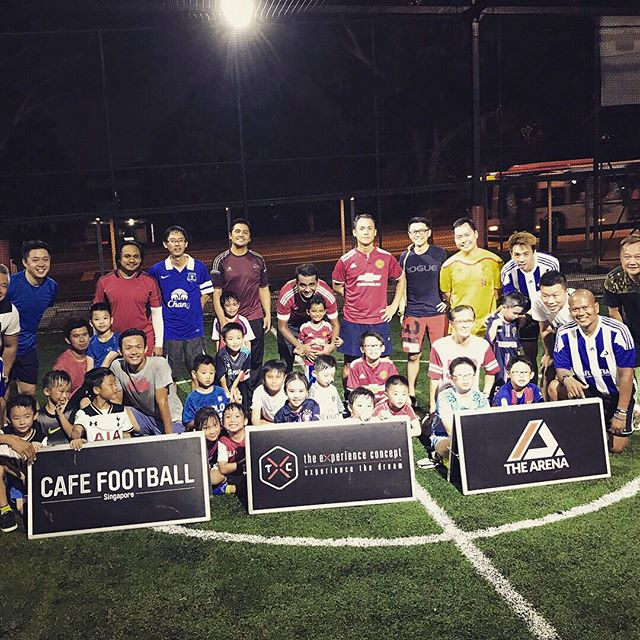 In conjunction with Singapore Football Week 2017, TXC held a Parent and Child Football clinic at The Arena conducted by Ex-Singapore Internationals - Samawira Basri, Noh Alam Shah and Jeremy Chiang. The clinic ended with good food at Cafe Football SG. #arenafootball #football #sgfootballweek #cafefootballsg #thearenasg