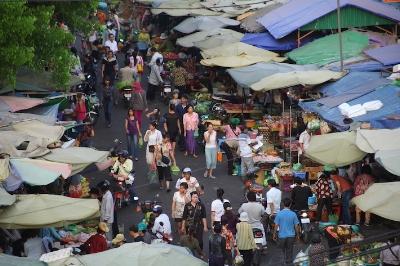 • Phnom Penh market place