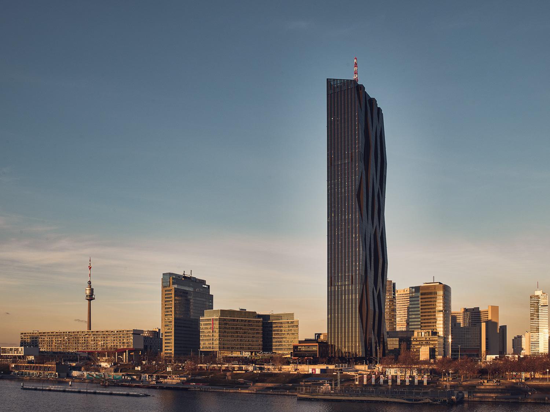 Architekturfotografie - DC Tower Wien